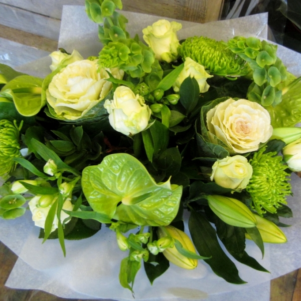 Elegant and simple white and green flower bouquet